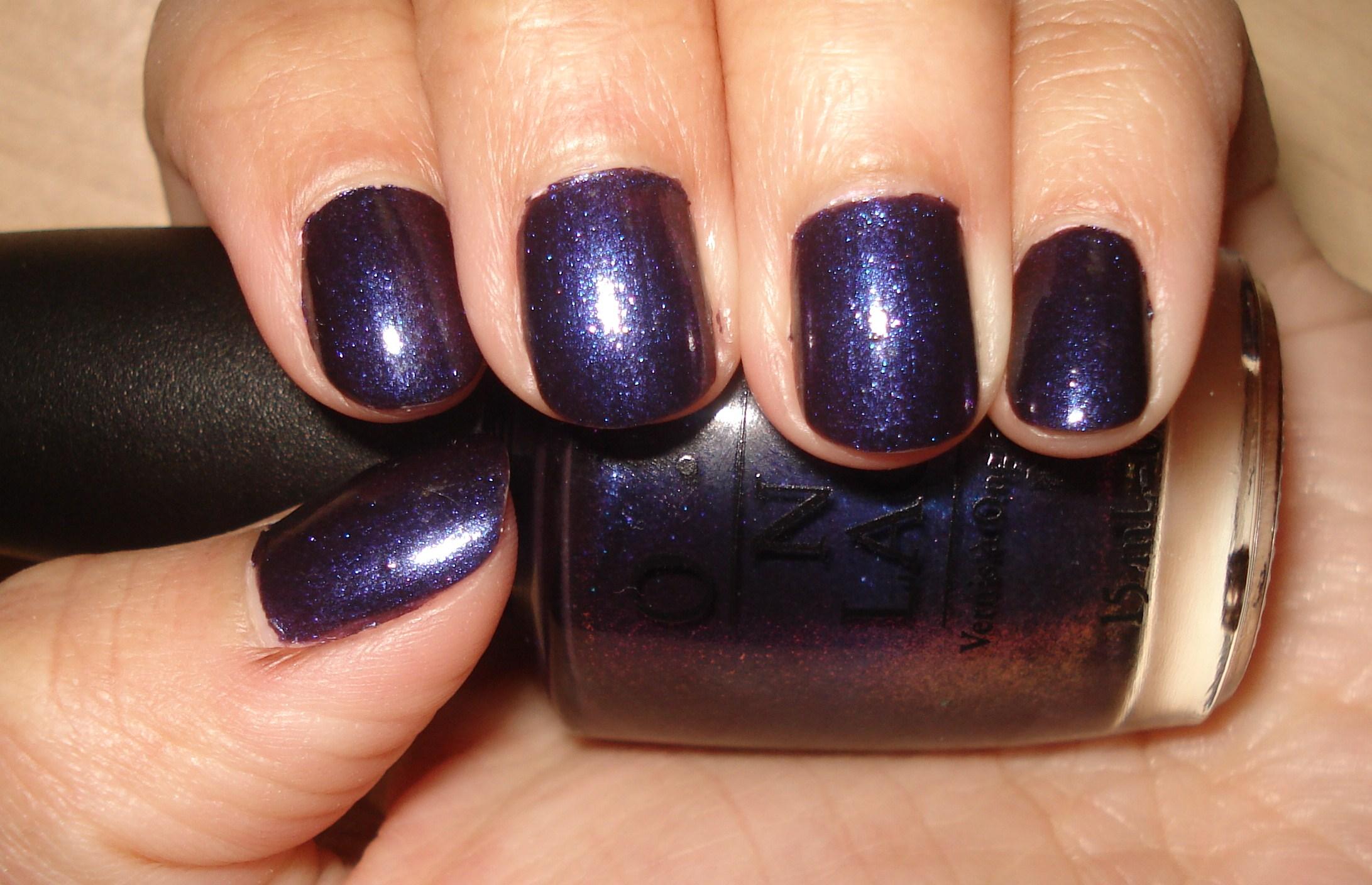 Vvisitingmexico   Images: Opi Dark Purple Nail Polish