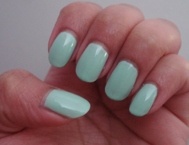 mint nail polish 003