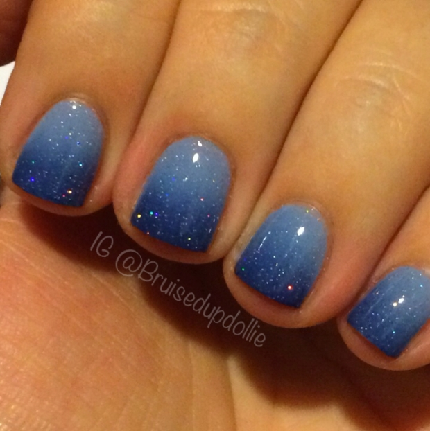 blue gradient holiday manicure