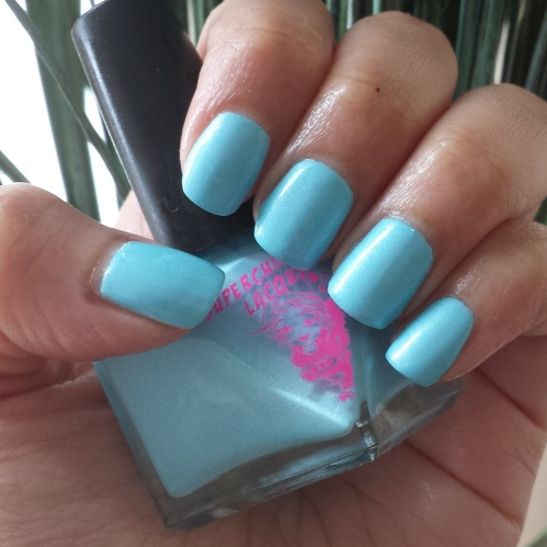 Superchic lacquer Crystal blue persuasion